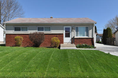 South Milwaukee Single Family Home Active Contingent With Offer: 704 Columbia Ave