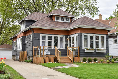Milwaukee County Single Family Home Active Contingent With Offer: 2425 N 65th St