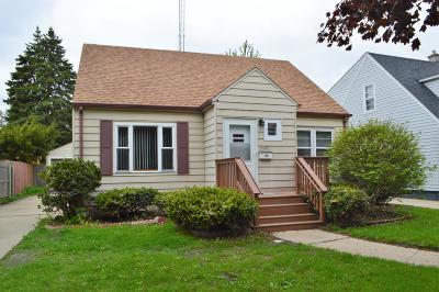 Kenosha Single Family Home Active Contingent With Offer: 6102 34th Ave