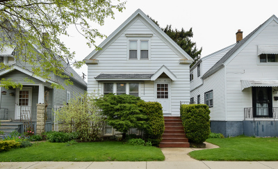 Milwaukee Single Family Home For Sale: 3014 S 7th St