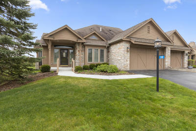 Lake Geneva Condo/Townhouse Active Contingent With Offer: 112 Terrace Dr #43-12B