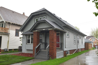 Milwaukee Single Family Home For Sale: 2009 N 56th St