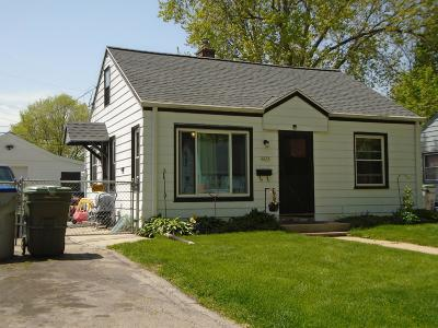 Milwaukee Single Family Home For Sale: 4659 N 50th #ST