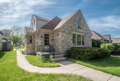 Milwaukee Single Family Home For Sale: 2855 S 46th St