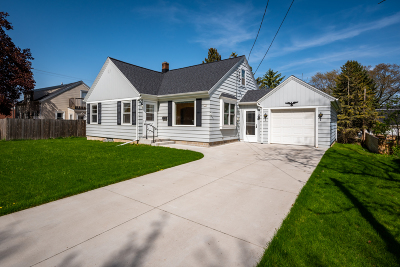 Cedar Grove Single Family Home Active Contingent With Offer: 110 S 1st St