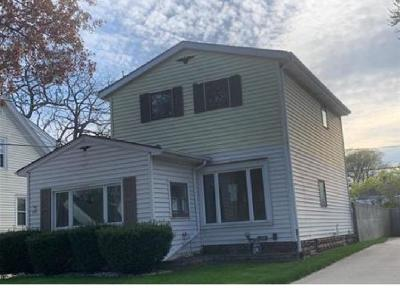 Milwaukee County Single Family Home For Sale: 155 N 62nd St