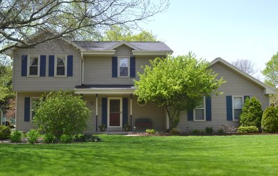 Brookfield Single Family Home Active Contingent With Offer: 3835 Westwood Ct