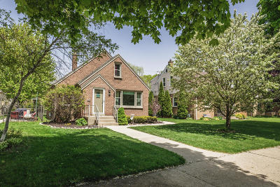 Milwaukee County Single Family Home For Sale: 9020 W Center