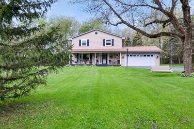 East Troy Single Family Home Active Contingent With Offer: W4178 Woodview Trc