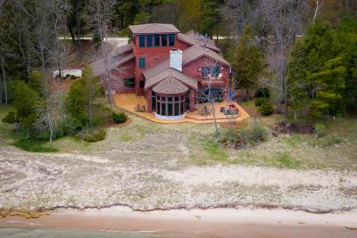 Oostburg Single Family Home For Sale: 9606 S Sandwood Ln