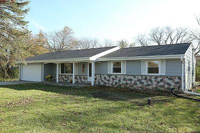 Mequon Single Family Home For Sale: 8925 W Mequon Rd