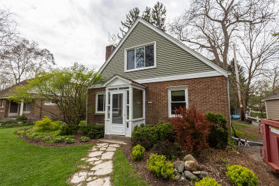 Milwaukee County Single Family Home For Sale: 6167 N Apple Blossom