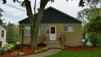 Hartland Single Family Home Active Contingent With Offer: 246 N North Ave