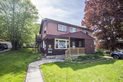 Waukesha Two Family Home For Sale: 132 Spring St