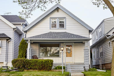 Milwaukee County Single Family Home For Sale: 1432 S S 78th St