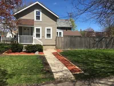 Kenosha Single Family Home For Sale: 1404 53rd St