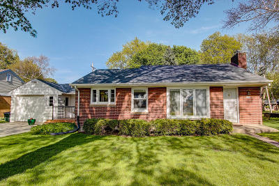 Wauwatosa Single Family Home For Sale: 3126 N 106th St