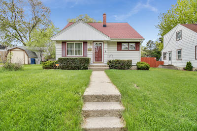 Milwaukee Single Family Home For Sale: 3777 N 75th St