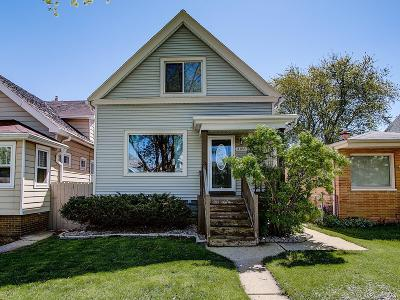 Milwaukee Single Family Home For Sale: 3156 S 8th St