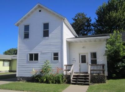 Menominee Single Family Home For Sale: 334 6th Ave.