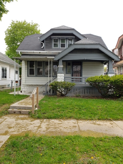 Milwaukee Single Family Home For Sale: 3611 N 15th St