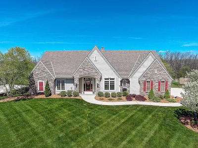 Pewaukee Single Family Home For Sale: N37w22866 Wyndemere Dr