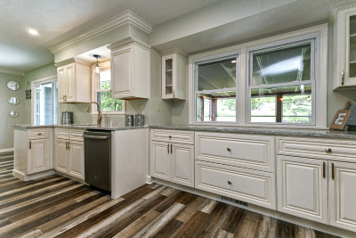 Brookfield Single Family Home For Sale: 3860 Brook Ln