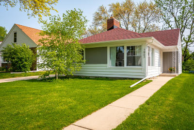 Wauwatosa Single Family Home Active Contingent With Offer: 7903 Livingston Ave