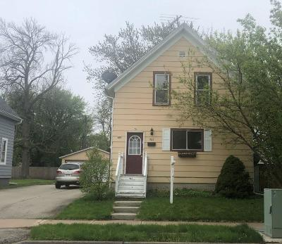 Sheboygan Single Family Home For Sale: 923 Lincoln Ave