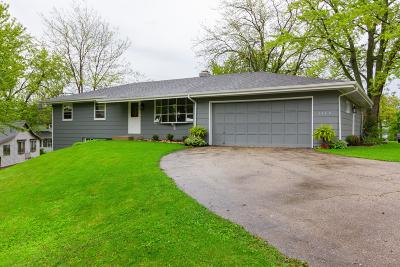 Delavan Single Family Home For Sale: 1604 Pottawatomi Dr