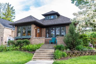 Milwaukee Single Family Home Active Contingent With Offer: 403 E Plainfield Ave