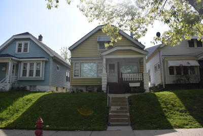 Milwaukee Single Family Home For Sale: 3040 S 14th St