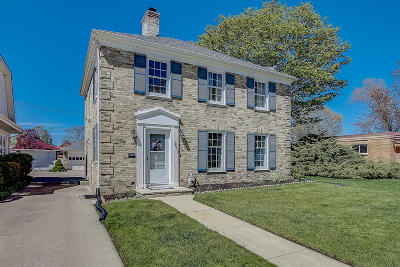 Racine Single Family Home For Sale: 214 Wolff St