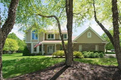 Pewaukee Single Family Home Active Contingent With Offer: W275n2682 Wildflower Rd