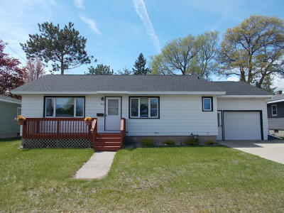 Menominee Single Family Home Active Contingent With Offer: 2813 19th St