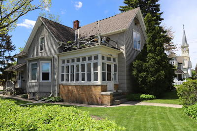 Cedarburg Single Family Home For Sale: N65w6415 Cleveland St #w6417
