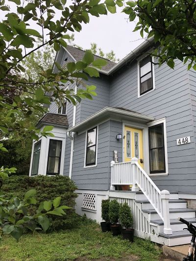 Hartland Single Family Home Active Contingent With Offer: 448 W Capitol Dr #450