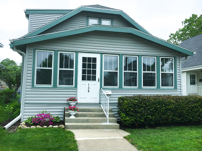 Waukesha Single Family Home Active Contingent With Offer: 139 Harrison Ave