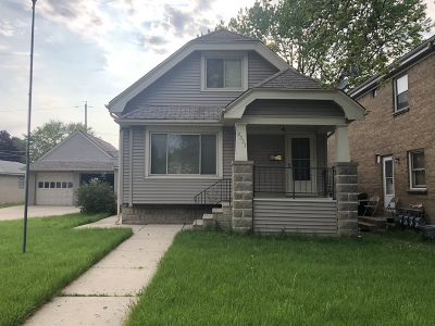 West Allis Single Family Home For Sale: 2337 S 76th St