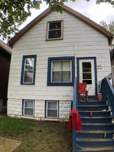 Milwaukee Single Family Home For Sale: 1748 S 19th St
