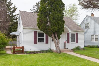 Waukesha Single Family Home Active Contingent With Offer: 514 Scott Ave