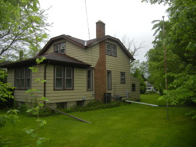 Muskego Single Family Home Active Contingent With Offer: W172s7421 Center Dr