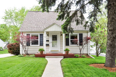 West Allis Single Family Home Active Contingent With Offer: 8936 W Dakota St