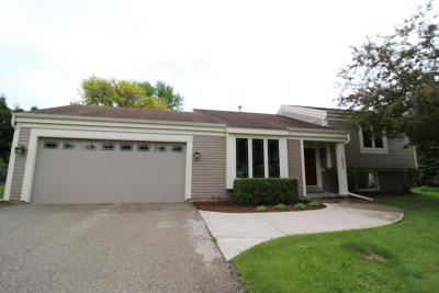 Waukesha Single Family Home Active Contingent With Offer: 1235 Lambeth Rd