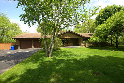 Hartland Single Family Home For Sale: W323n8248 Northcrest Dr