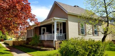 Marinette Single Family Home Active Contingent With Offer: 1328 Colfax St