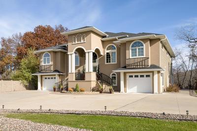 La Crosse Single Family Home For Sale: 70 Dawson Pl
