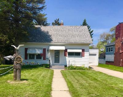Marinette Single Family Home For Sale: 1024 Cleveland Ave