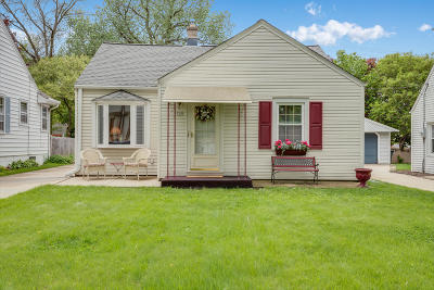 Wauwatosa Single Family Home Active Contingent With Offer: 729 N 112th St