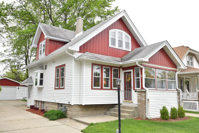 Wauwatosa Single Family Home Active Contingent With Offer: 6607 Powell Pl